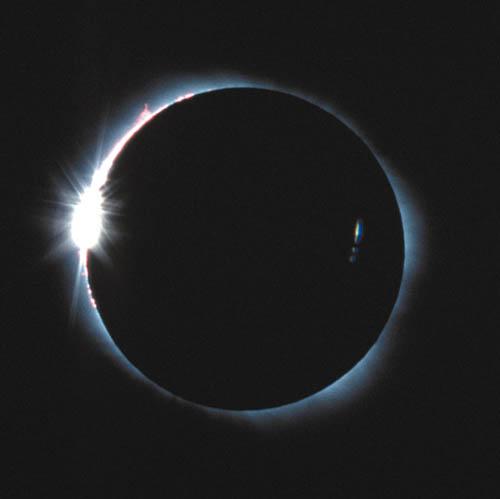 日食のダイヤモンドリング