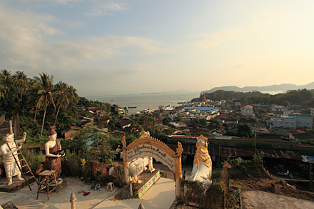 ミャンマー・カントンの町