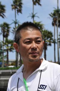 チーフガイドの豊嶋康志さん。ワイドなダイビングのリクエストが多いものの、 実はマクロも得意