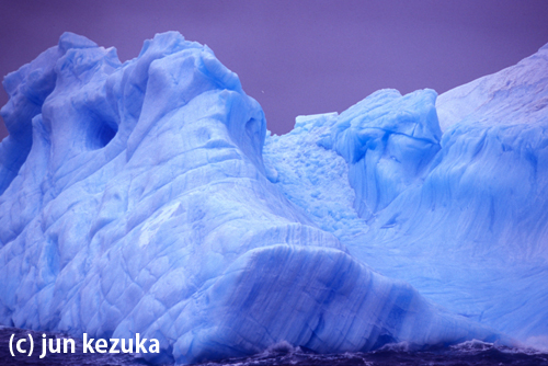 南極の氷山(毛塚潤)
