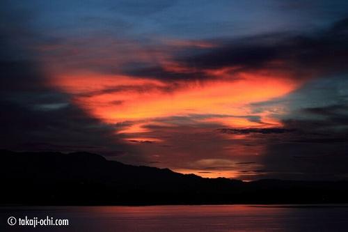 パプアニューギニア、ロロアタの夕焼け