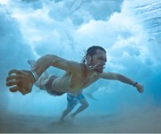 前の記事: 新しい水中アート写真の形!危険すぎる荒波にもまれるスイマーを