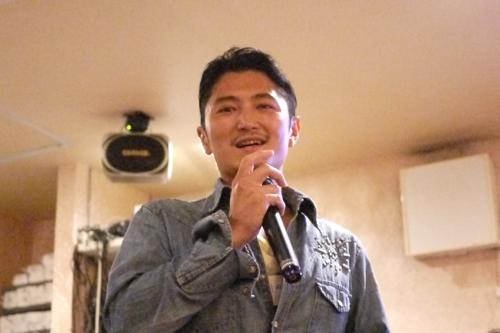 イベントに合わせてオーシャナもパーティーを開催(写真は岡田裕介さん)