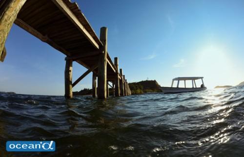 長い桟橋が特徴の素朴なナチュラルリゾート