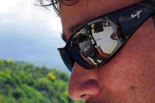 南の島でのサングラス