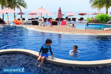 ラグーナリゾートのビーチプール