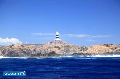 神子元島の灯台