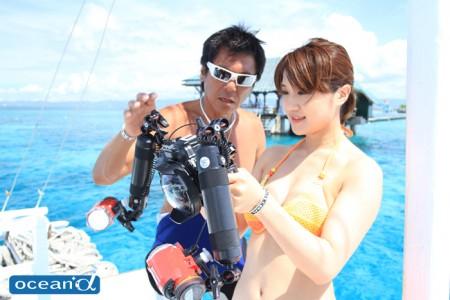 セブ島カメラ女子ダイバー(撮影:越智隆治)