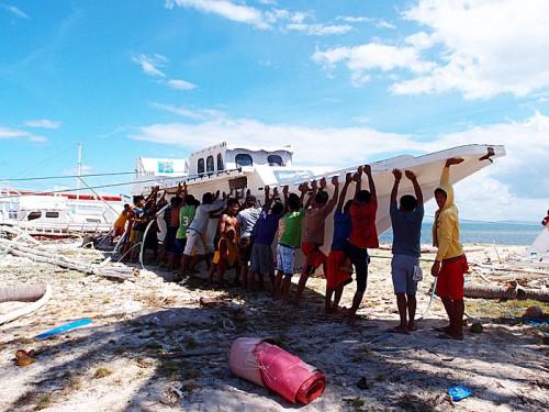台風の被害に遭ったマラパスクア島