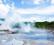 次の記事: パプアニューギニアの野外温泉は、エメラルドグリーンの美しさ