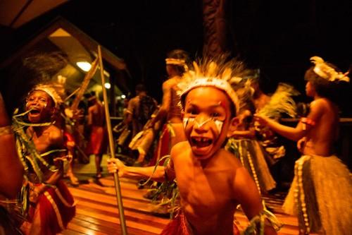 パプアニューギニアのお祭り(撮影:岡田裕介)