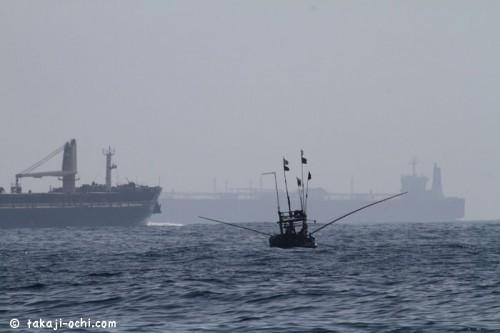 スリランカのタンカー群(撮影:越智隆治)