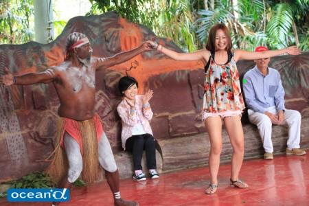 オーストラリアの熱帯雨林キュランダ村でのアボリジニダンス(撮影:越智隆治)