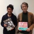 鍵井靖章さん(左)と新潮社の金川さん(右)