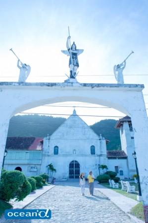 セブ、ボルホーン島の教会(撮影:高砂淳二)