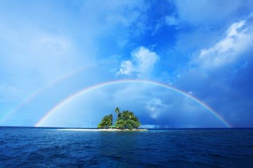 ジープ島の虹(撮影:むらいさち)