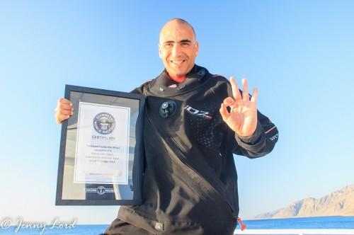 ダイビング深度ギネス記録(提供:アフメド・ガマル・ガブルさんと彼のチーム)