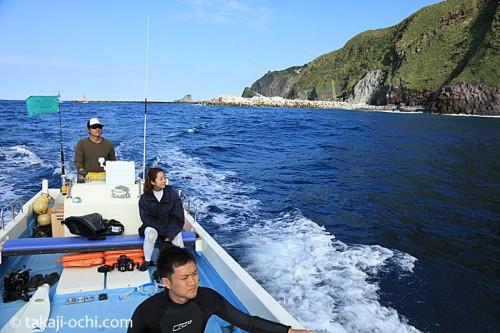 海豚丸のボート(撮影:越智隆治)