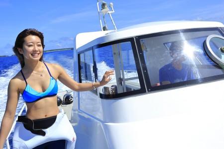 爽快な海へのダイビング。ワクワク感がたまらな