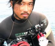 次の記事: 初個展開催中の水中写真家・戸村裕行インタビュー ~「OCEA