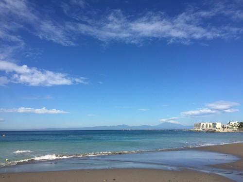 撮影地:葉山。遠くに見えるのは江の島と湘南