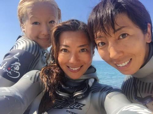 """最強""""人魚ジャパン""""のメンバー。左から、廣瀬花子選手、福田朋夏選手、岡本美鈴選手。実力と美貌を兼ね備えた世界に誇る人魚たちです!"""