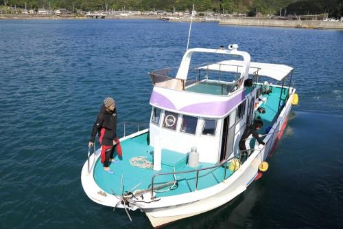 CoralQueen号で人気の浅地へ! 定員33名 630psツインターボ搭載だから串本外洋ダイビングポイントまで快適なクルージング