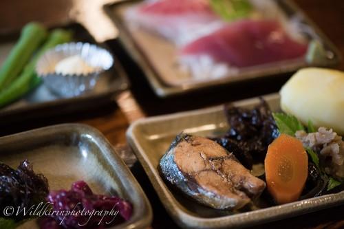 島の伝統郷土料理を集めた絶品メニュー「黒潮料理」