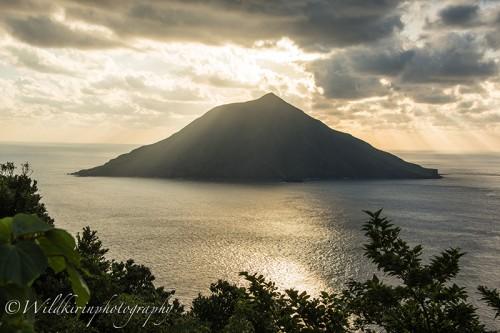 島の北西の八丈富士へ登っていく道中で撮影