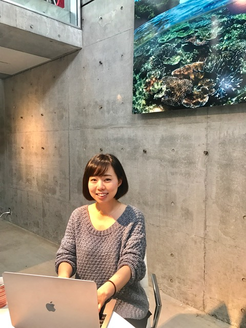 オーシャナ編集部の菊地聡美。歯科衛生士から海の仕事へ転職