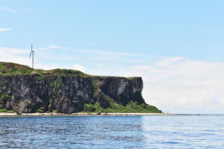 ボートから見える、粟国島の「筆ん崎」