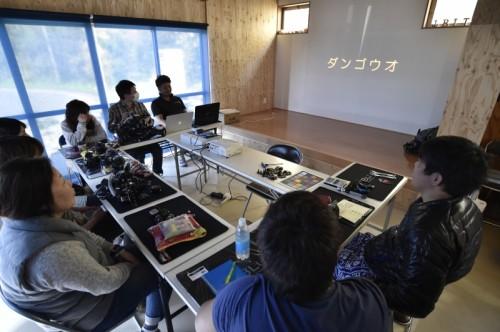 2日間のフォトセミナーがスタート。スクリーンに大きく映し出されるダンゴウオの文字。しかし頭のどこかでタツノオトシゴに変換されていた。