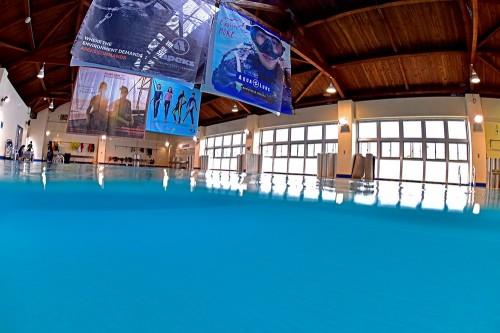 室内プールも完備。講習をする環境としては、関西随一