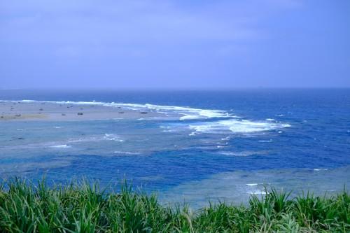 展望台からはきれいな海が一望できる