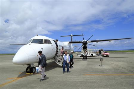 琉球エアーコミューター(RAC)のプロペラ機で久米島入り