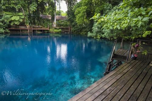 ブルーホールで有名なサント島では、世界のブルーホールとは違って淡水で水もクリア