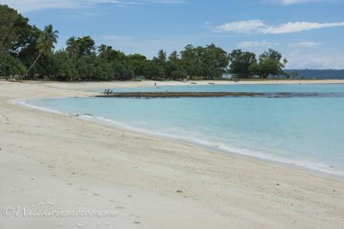 あとに書いているシャンパンビーチに並んで綺麗なビーチだった