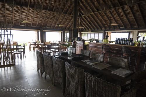 広い施設を持つリゾートのレストランは広々していて快適