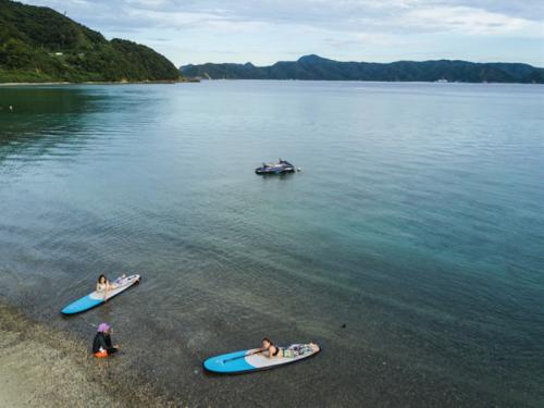 サンゴが広がる奄美大島・瀬戸内清水の青い海