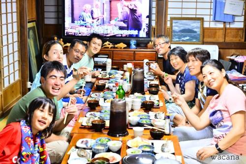 御蔵島でできた野菜と、脂ののった焼き魚! 最高でした。