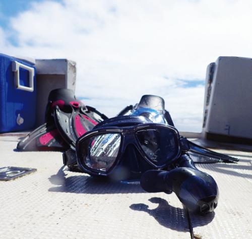 ダイバーにとってなくてはならないダイビング器材。TUSAの器材は多くのダイバーに愛用されている。