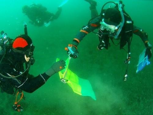 2017年、気仙沼での環境DNA調査をする京大潜水チームを取材。その様子を報告会でスライドレポートしたところ、ダイバーたちの感心は高かった