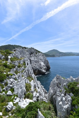 """美しい白亜の海岸線は、""""日本のエーゲ海""""と称される"""