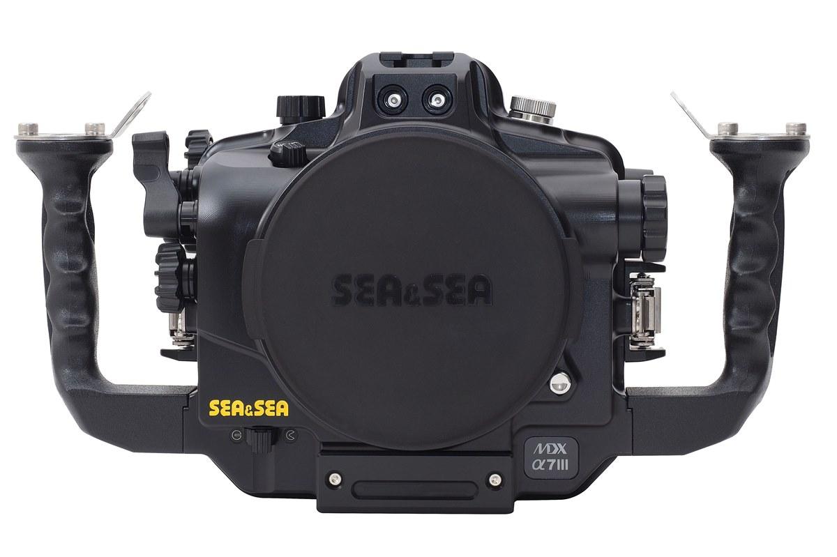 SEA&SEAより、SONYフルサイズミラーレス α7III/α7RIII対応のハウジング、「MDX-α7III」が発売