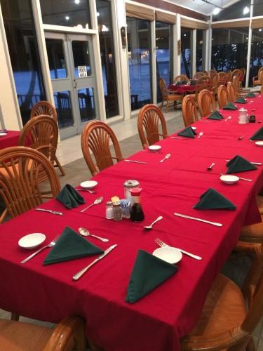 清潔感があるブルーラグーンホテル内にあるレストラン