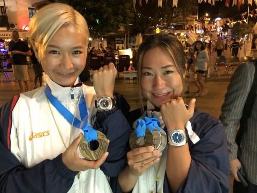 公式パートナーであるスイスの時計ブランド、ファーブル・ルーバが2人をサポート