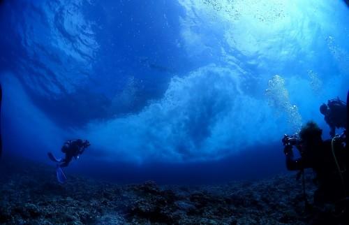 宮古島フォトコン2018ビギナー部門_雲のような波しぶき