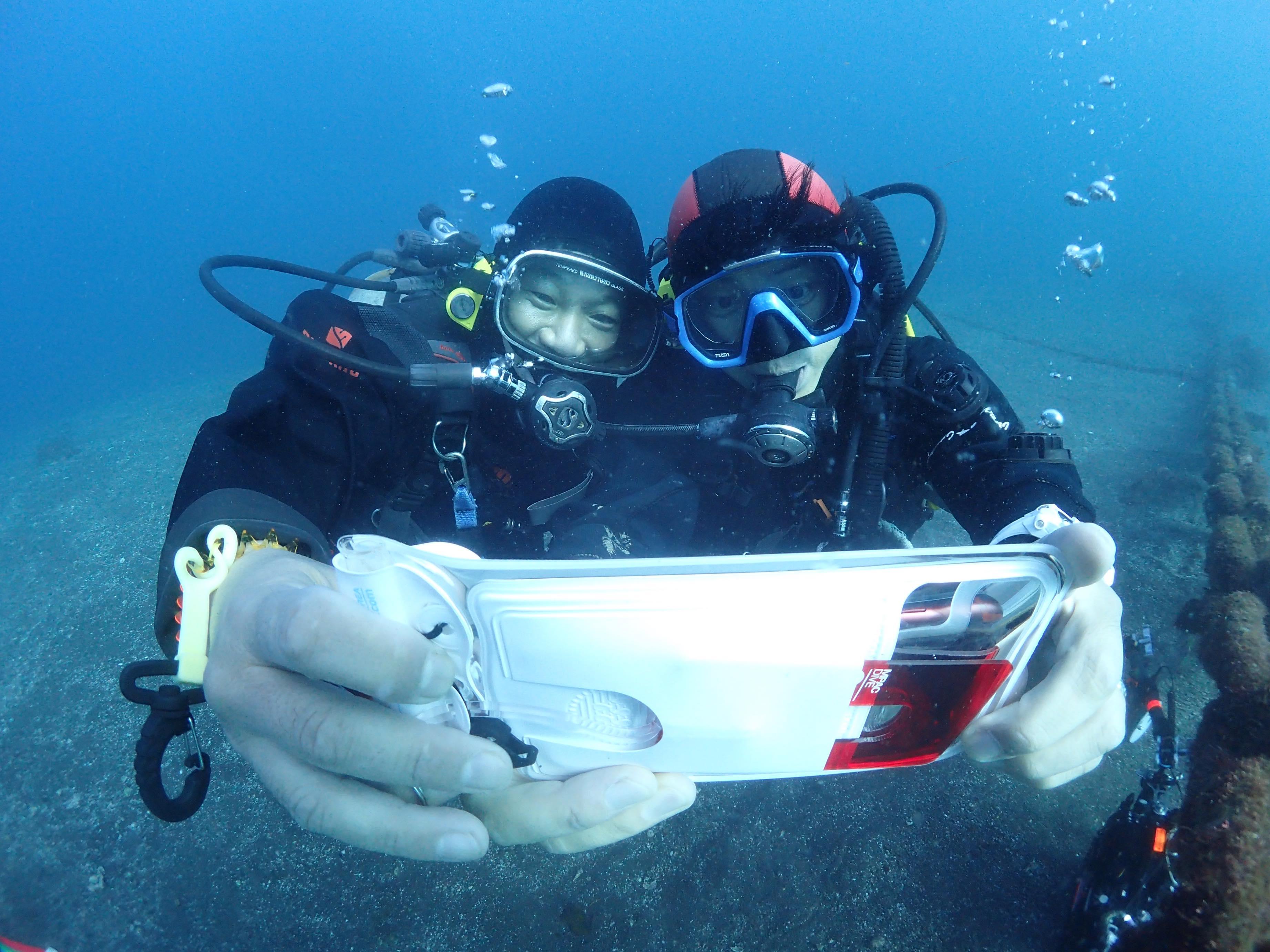 """手軽に水中写真を楽しみたいなら中古iPhoneだ!? 防水スマホケース「エムパック+Dive」を相棒に、目指せ""""水中インフルエンサー"""" 〜実践編〜"""