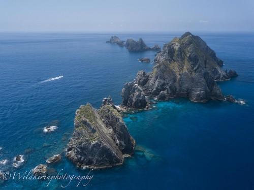普段は漁師もあまり来ないほどの無人群島「草垣群島」