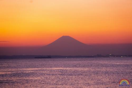 「おすすめ陸の風景―東京湾越しの富士山―」